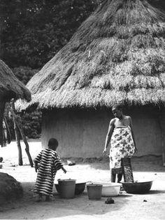 Rene Thirion, MFIAP - Cote d'Ivoire 5/20, 2000