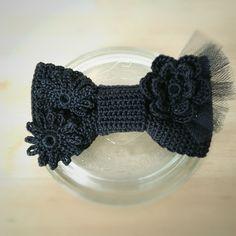 マーセライズドコットン100%のピン留めタイプのかぎ針編みの蝶ネクタイ。程よく品のある光沢感と大きすぎないサイズが、パーティーやウェディングにぴったりです。リ...|ハンドメイド、手作り、手仕事品の通販・販売・購入ならCreema。