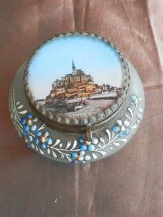 Ancienne boite en verre (dépoli) souvenir Mont St Michel, décor peinture émaillé