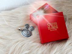 Entdecke glänzende Geschenkideen für Weihnachten in unserem Online-Shop.