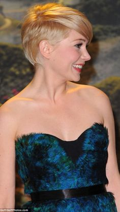 Love the style of Michelle Williams hair, now that it's a bit longer