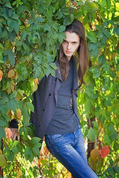 Men with really long hair Beautiful Models, Beautiful Men, Androgynous Boy, Long Hair Models, Really Long Hair, Pretty Boys, Crossdressers, Turtle Neck, Long Hair Styles