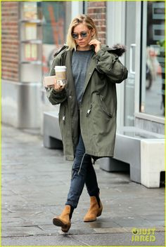 Sienna Miller in rag & bone's Dixon Boot