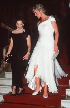 April, 1991: Princess Diana Attending A Reception At The Municipal Theatre Of Rio During An Official Tour Of Brazil. She Is Wearing A Dress Designed By Fashion Desinger Gina Fratini For Hartnell.