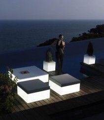 verlicht meubilair ibiza tuin - design furniture garden | design lights garden | more inspiration on: www.zook.nl/tuin/strakke-tuinen-inspiratie-ibiza-stijl