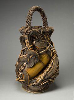 Japanese bamboo art Flower Basket By Yufu Shohaku (b. Japanese Bamboo, Japanese Art, Bamboo Basket, Wicker Baskets, Woven Baskets, Bamboo Art, Bamboo Crafts, Asian Art Museum, Weaving Art