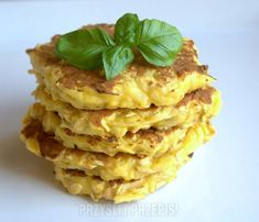 Dietetyczne placuszki owsiane z jabłkiem Apple Recipes, Keto Recipes, Snack Recipes, Cooking Recipes, Healthy Recipes, Breakfast Menu, Breakfast Recipes, Food Allergies, Cooking Time