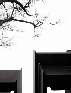 Snow - China Land of Outstanding Natural Beauty Posted by Sifu Derek Frearson Black And White Interior, White Interior Design, Modern Interior, Interior Architecture, New Chinese, Chinese Style, Deco Furniture, Furniture Design, Console Table