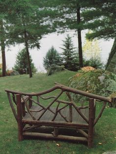 DIY Rustic bench!!! Love this bench!!! Would be cute in a sunroom or screen porch!!! Bebe'!!!