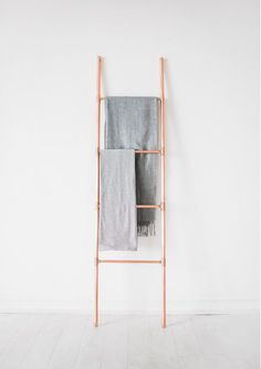 Luxury Blanket Towel Retail Display Copper Pipe Ladder