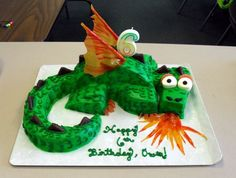 Fire Breathing Dragon cake. Looks so easy to make.