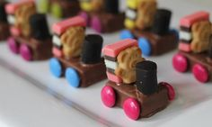 Teddies on trains These cute little train teddies are a great party snack idea and would also work as birthday cake decorations.These cute little train teddies are a great party snack idea and would also work as birthday cake decorations. Birthday Party Snacks, Snacks Für Party, Birthday Ideas, Cake Stall, Tiny Teddies, Birthday Cake Decorating, Cooking With Kids, Cooking Wine, Creative Food