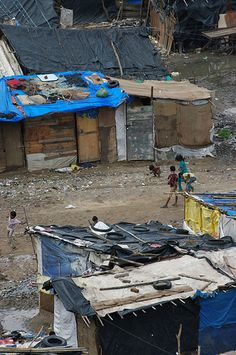 Slum in Ahmedabad - Gujarat | by Emmanuel Dyan #flickr | CC BY 2.0 http://creativecommons.org/licenses/by/2.0/deed.de