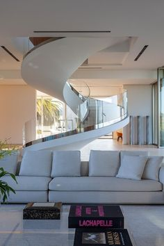How to choose and buy a new and modern staircase – My Life Spot Home Stairs Design, Home Room Design, Dream Home Design, Home Interior Design, Interior Architecture, Stair Design, Dream House Interior, Luxury Homes Dream Houses, Interior Stairs