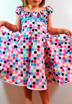 Schnittmuster: ELODIE Sewing dress for girls according to the pattern ELODIE by farbenmix Kids Outfits Girls, Girl Outfits, Girls Dresses, Sewing Kids Clothes, Sewing For Kids, Dress Sewing Patterns, Clothing Patterns, Knitting Patterns, Kids Frocks