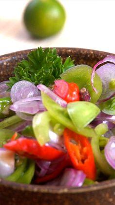 Sambal Colo-colo adalah sambal khas Maluku. Biasanya sambal ini disantap dengan ikan bakar oleh masyarakat Ambon. Keunikan dari makan sambal ini adalah dimakan dengan cara diminum.