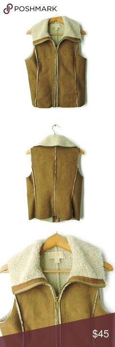 Michael Kors Shearling Vest - Tan - Size Small Michael Michael Kori Shearling Vest. Zipper front with furry lining. Perfect in fall or Winter. Great layering piece. MICHAEL Michael Kors Jackets & Coats Vests