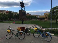 Lobagola Tours bikes enjoying the view at King Tomislav square with Art Pavillion in the background #lobagolatours #zagreb #welovezagreb #microadventure #croatiafulloflife #travel #nature #bohemianzagreb #citybreak #weekendgetaway #visitzagreb #zagrebuppertown #medvedgrad #daytrips