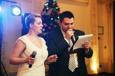 Любая пара, которая планирует свою свадьбу, мечтает, чтобы их торжество прошло идеально.   Узнать больше: http://svadebniytamada.ru/wedding-notes/kakim-dolzhen-byt-horoshij-vedushhij-na-svadbu/