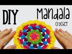 how to crochet circle to square Crochet Diy, Crochet Flower Hat, Crochet Mandala Pattern, Crochet Circles, Crochet Gifts, Crochet Doilies, Crochet Stitches, Crochet Patterns, Crochet Cushion Cover