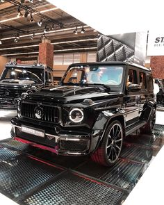 Mercedes Benz Classe G, Black Mercedes Benz, Mercedes G Wagon, Mercedes Benz G Class, Mercedes Benz Cars, Merc Benz, Audi Rs, Luxury Cars, Dream Cars