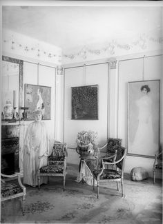 "Portrait of Serena Lederer, at her home in Vienna, Bartensteingasse No. 8. On the wall three paintings of Gustav Klimt:. ""Wally"", ""Golden Apple Tree"", and her own portrait ""Portrait of Serena Lederer"". 1903."