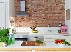 la parete di mattoncini per la cucina