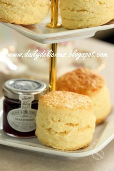 dailydelicious: My Own Mission: Real rich scones. Made with cake flour Tea Recipes, Sweet Recipes, Baking Recipes, Cake Recipes, Dessert Recipes, Recipies, British Scones, English Scones, Baking Scones