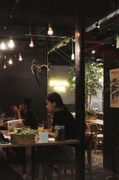 【EIGHT DESIGN】愛知県豊田市の居酒屋「IZAKAYA □1」のサインデザイン。 Cafe Restaurant, Neon Signs, Design