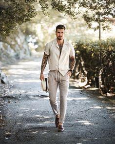 Summer Outfits Men, Stylish Mens Outfits, Beach Outfit For Men, Bohemian Outfit Men, Bohemian Men, Men's Swimwear, Modern Gentleman, Gentleman Style, Look Man