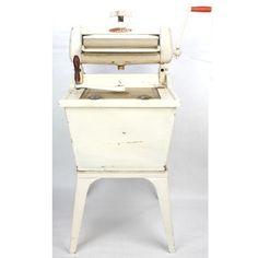 Antigua maquina de lavar ropa Old Washing Machine, Nightstand, Stool, Table, Furniture, Vintage, Home Decor, Antigua, Decoration Home