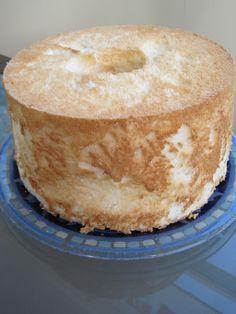 Heavenly Gluten-free, Dairy-free Angel Food Cake - Exquisite Dish - still uses sugar, though Gluten Free Angel Food Cake, Gluten Free Sweets, Gluten Free Cakes, Gluten Free Cooking, Dairy Free Recipes, Vegan Gluten Free, Paleo, Lactose Free, Patisserie Sans Gluten