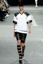 See all the Collection photos from Alexander Wang Spring/Summer 2013 Ready-To-Wear now on British Vogue Daily Fashion, Spring Fashion, Fashion Show, Fashion Design, Nyc Fashion, Street Fashion, Runway Fashion, Fashion Trends, Alexander Wang