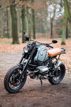 Tattoo artist Bobeus benaderde Moto Adonis om motor te bouwen die beter bij zijn lengte zou passen, het antwoord is de Tall Bobeus BMW R1000GS