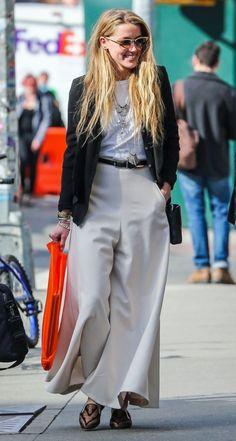 モノトーンコーデ♡素敵な40代の着こなし術♡アラフォー ジョーゼットスカーチョおすすめコーデ術です。