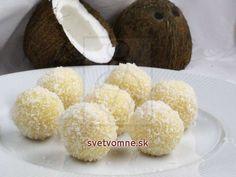 Raffaello • Recept | svetvomne.sk Muffin, Cheese, Breakfast, Food, Sweet Dreams, Advent, Anna, Dessert, Deserts