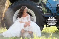 Bridal portrait ideas.  Laura Bryan Photography » simple elegance. {{Lynchburg, Virginia Wedding & Portraiture Photographer}}