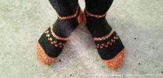 knitted socks, heel instructions   Fjarhusid Yarn Store