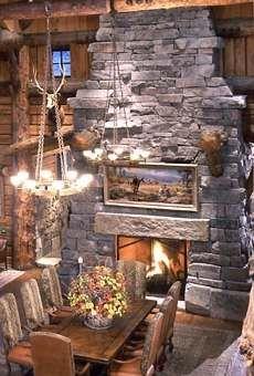 Extraordinary Log Cabin Houses . . . Big, Bold and Beautiful!
