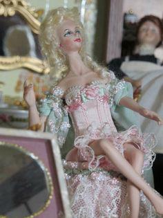 Elsa, Victoria, Disney Princess, Disney Characters, War, Third, Elegant, Disney Princesses, Disney Princes