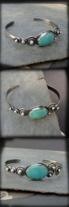 Turquoise and Sterl Turquoise and Sterl Turquoise and Sterling Silver Bracelet