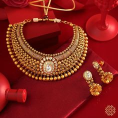 Meet the Most Prettiest Antique Gold Jewellery Designs Here Antique Jewellery Designs, Gold Ring Designs, Gold Jewellery Design, Gold Jewelry, Diamond Jewellery, Gold Necklace, Bridal Jewelry Vintage, Bridal Jewelry Sets, Ankle Jewelry
