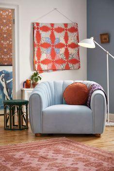 Juliette Tufted Velvet Chair | Urban Outfitters