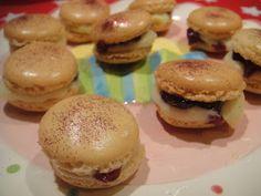 Raspberries & cream macarons