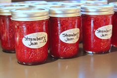 My Kitchen Addictions: Classic Strawberry Freezer Jam Strawberry Freezer Jam, Homemade Strawberry Jam, Freezer Jam Recipes, Canning Recipes, How To Eat Better, Kitchen Trends, Favorite Recipes, Yummy Food, Family Traditions