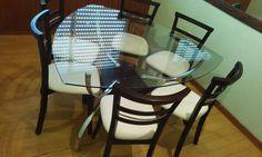 mesa triangular c/06 cadeiras