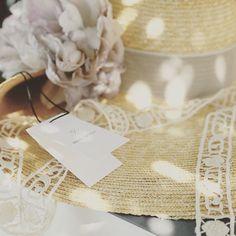 Se acerca el otoño pero nosotras guardamos rayos de Sol para ti #whitesun #natural #vestidosblancos #novias #bridal #bride #california #wedding #weddingday #weddingdrees #hechoamano #whitegatache #whitemoments #mujereswhitegatache #noviaswhitegatache #atelier #atelieronline #bodas #blogmoda #blogbodas #blognovias