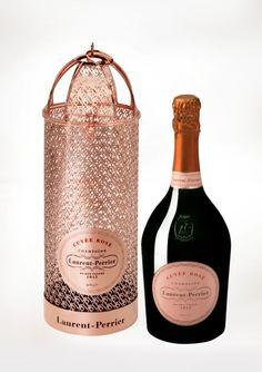 Laurent-Perrier apresenta sugestões para Natal e Ano Novo: LP Brut e Cuvée Rosé Brut . #revistadevinhos