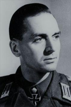 Leutnant d.R. Konrad Sauer (1915-1986), Führer 1./Sturmgeschütz Brigade 393, Ritterkreuz 26.09.1942, Eichenlaub (603) 30.09.1944