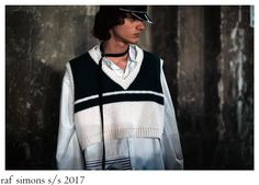 Raf Simons made his return to Pitti Uomo in its proper, trademark way; he transformed Florence´s Stazione Leopolda into a inspired. Raf Simons, Backstage, Florence, Menswear, How To Wear, Fashion, Moda, Fashion Styles, Men Wear